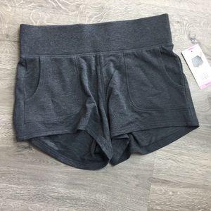 Active life athletic shorts size medium